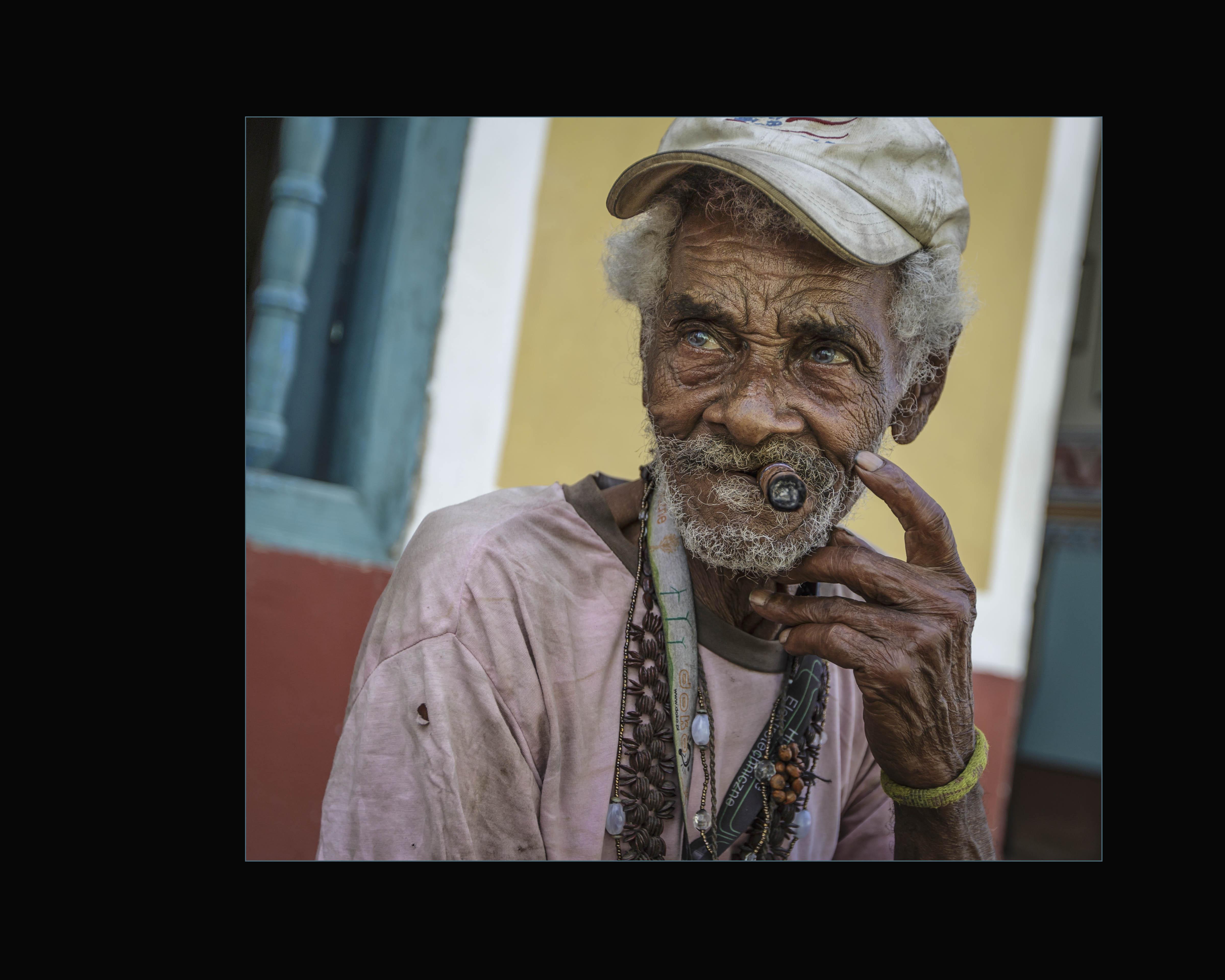 cigar-man-4392